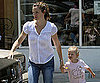 Photo Slide of Jennifer Garner Getting Lunch in LA With Violet Affleck
