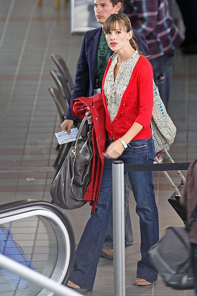 Photos of Ashton Kutcher and Jennifer Garner at LAX