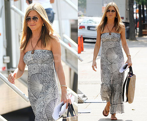 Photos of Jennifer Aniston Filming The Bounty in NYC After Holding Hands With Gerard Butler