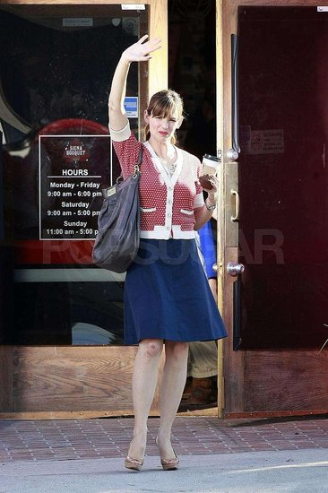 Photos of Jen Garner on Set