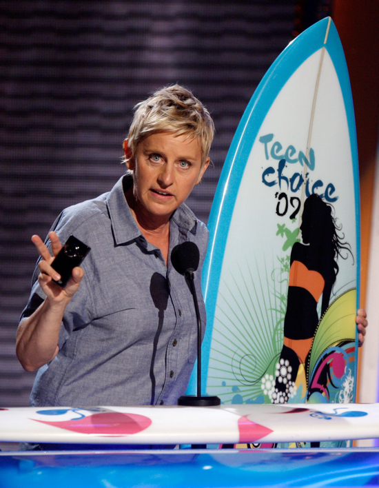 Ellen Degeneres With a Flip Ultra Video Camera
