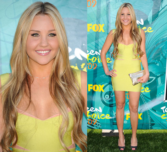 Photo of Amanda Bynes Wearing Herve Leger at Teen Choice Awards