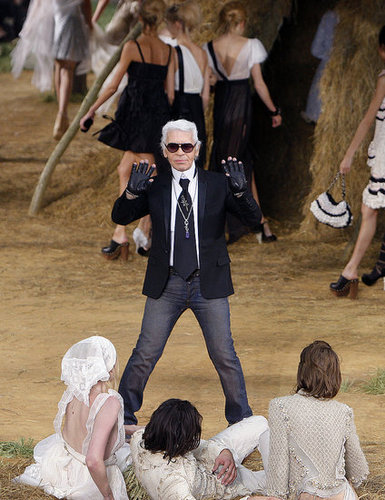 Photos From Chanel's Spring 2010 Collection 2009-10-06 12:00:22