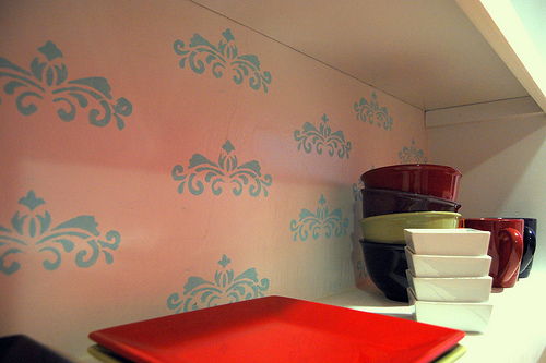Cool Idea: Stenciled Shelving