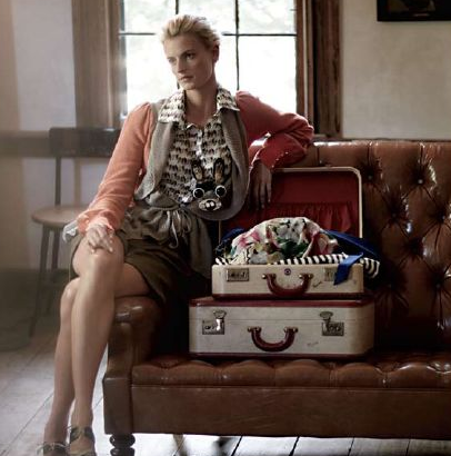 If you do go away, pack in style. Use vintage suitcases for all of your pretty Fall clothes.