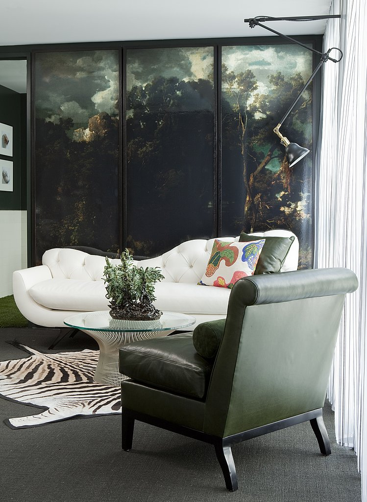 The Weeds living room, designed by Paul Latham, is painted in a dark green and features a gorgeous pastoral painting of a Roman landscape. Paul also used antique English pipes in his room, as well as touches of flora and fauna to elegantly hint at the show's premise.