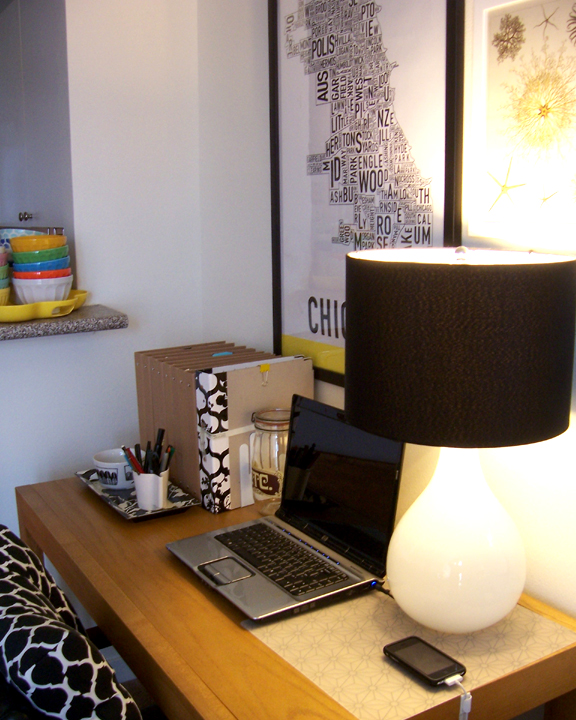 Are you surprised to see an organized desk? I love how the black and white accents all work together here.