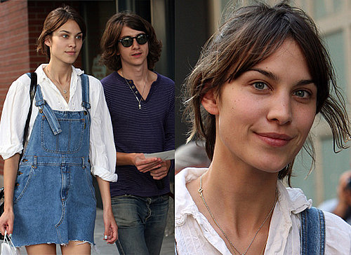 Photos Of Arctic Monkeys' Alex Turner and His Make-Up Free Girlfriend / MTV Presenter Alexa Chung Out In New York City