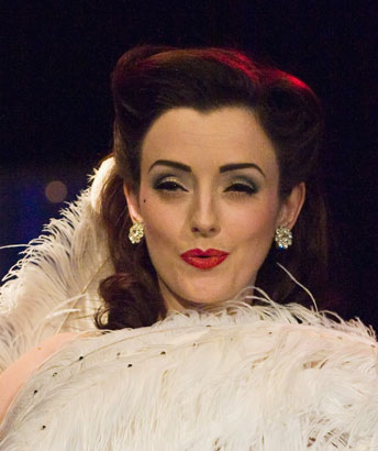 Oh Snap! Miss Polly Rae Wows 'Em at the London Follies