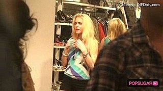 Lindsay Lohan Shopping in New York