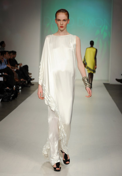 A look from David Dixon's Spring 2010 Collection on 10/20/09