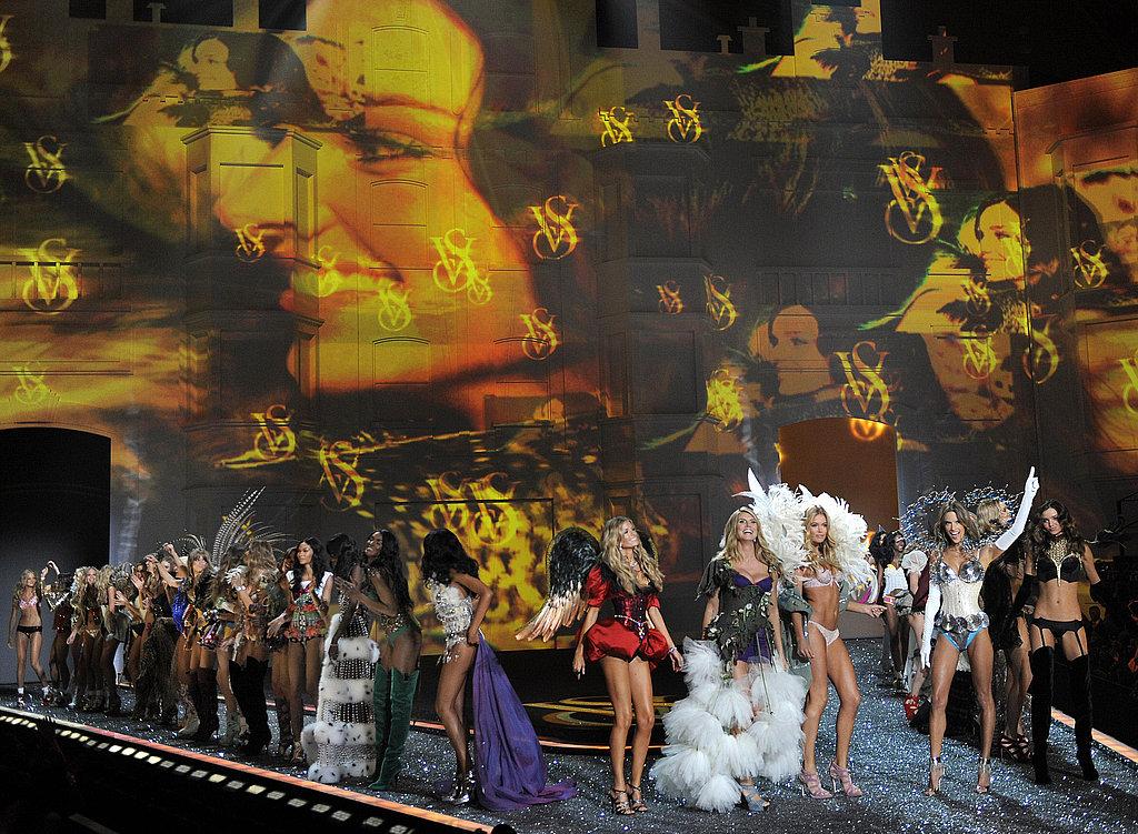 2009 Victoria's Secret Fashion Show Unveiled: Anja Rubik, Chanel Iman, and Anna Jagodzinska Work It