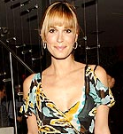 Would You Wear Bold Florals Like Molly Sims?