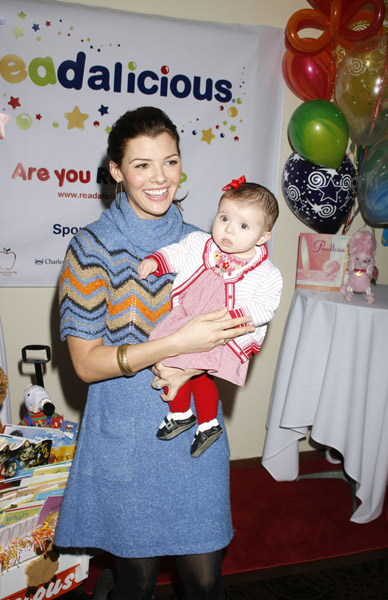Ali Landry and daughter Estelle at Readalicious.
