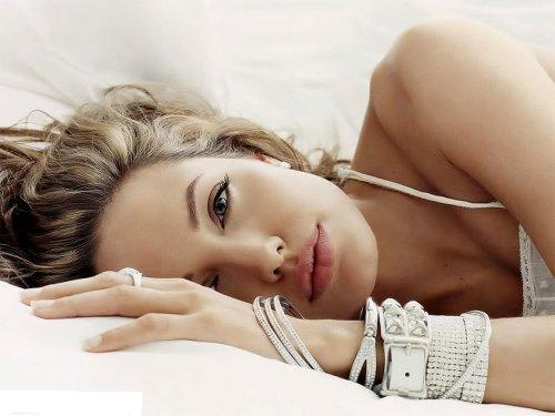 Champion of the Semi Final(Week 8): Angelina Jolie!