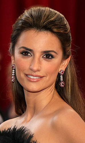 Penelope Cruz at the Oscars: hair and makeup