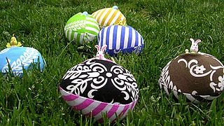 Cool Idea:  Fabric Easter Eggs
