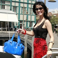 Bag to Have: Katy Perry Shows Her Mulberry Mabel