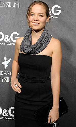 Erika Christensen Wearing a Tube Scarf at D&G Party in LA