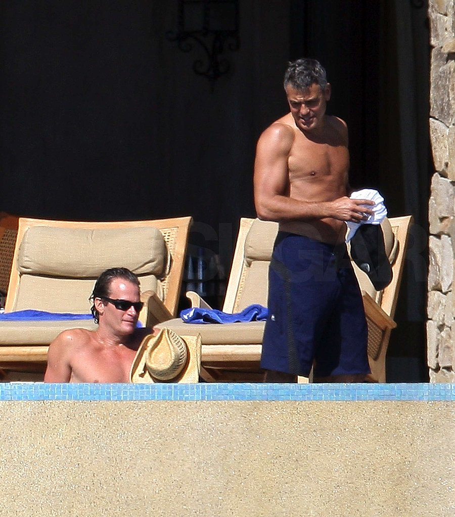 Shirtless Clooney Brings a Happy 09