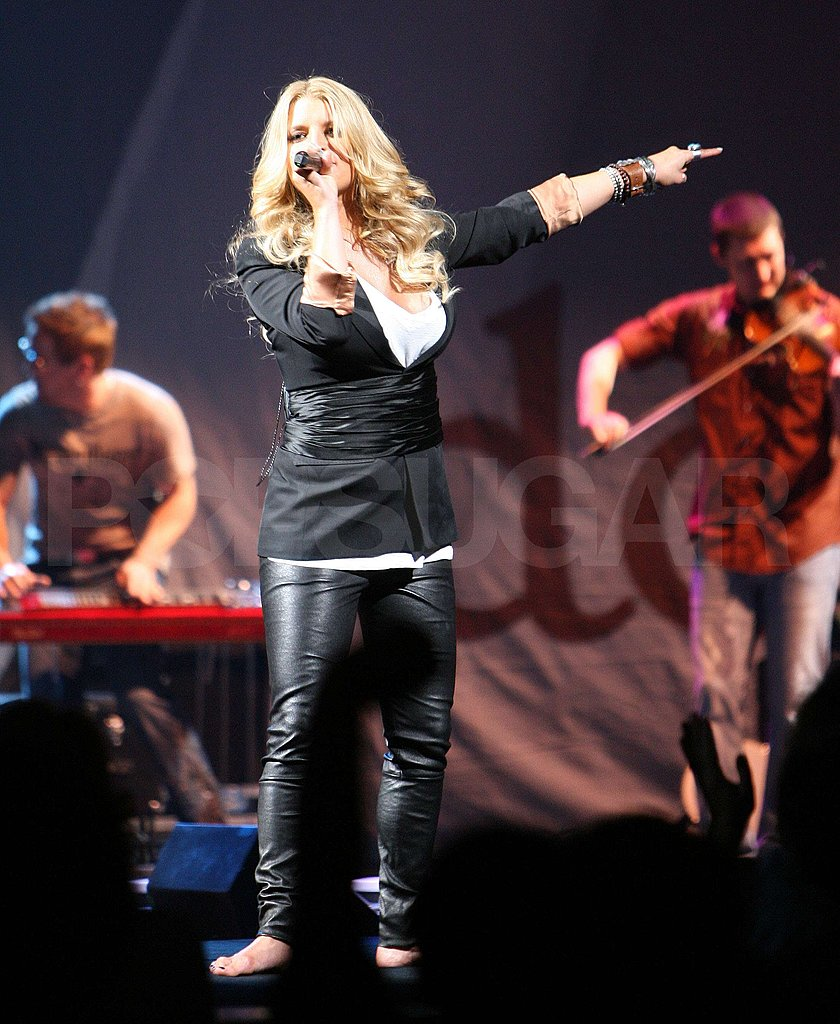 Jessica Simpson on Stage in Virginia