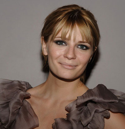 Mischa Barton Claims Paparazzi Photographs Were Doctored
