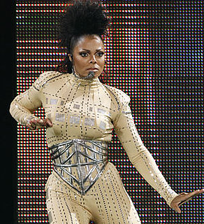 Photo of Janet Jackson, Who Was Hospitalized Yesterday and Had to Cancel Show in Montreal