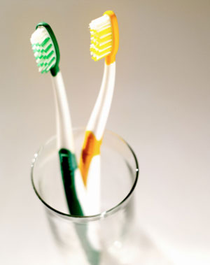 Health Tip: Microwave Your Toothbrush