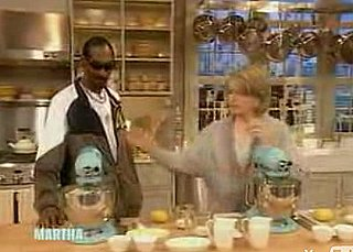 Martha Stewart and Snoop Dogg Make Thanksgiving Mashed Potatoes