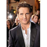 "Peter Facinelli Uses ""the iChat"""