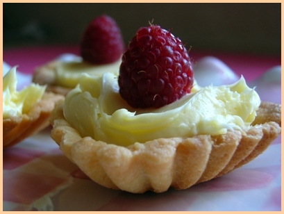 Yummy Link: Lemon Tarts with Raspberries