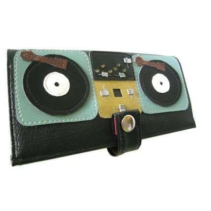 Turntable Wallet