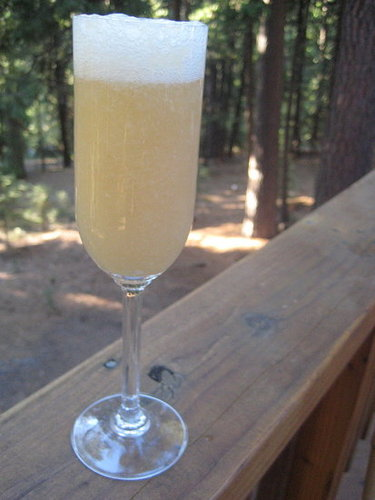 Happy Hour: Bellini