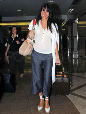 Mama-to-Be Angie Harmon Travels Sans Kids