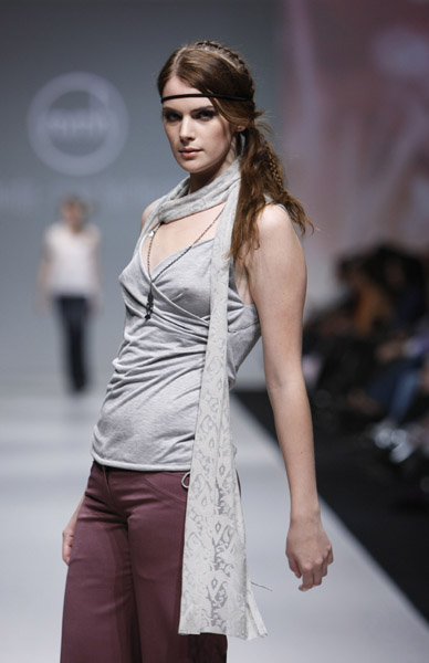 L'Oreal Toronto Fashion Week: Melinda-Mea Harlington Spring 2009