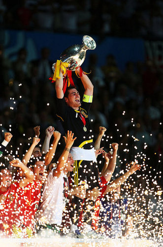 Pictures of Spain Winning Euro Cup, Celebration in Spain