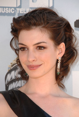 Love It or Hate It? Anne Hathaway's MTV Movie Awards Look