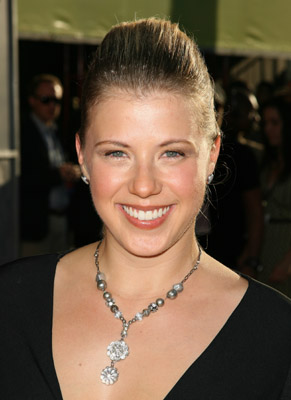 Love It or Hate It? Jodie Sweetin's Red-Carpet Updo