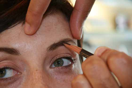 Shaping the Brows