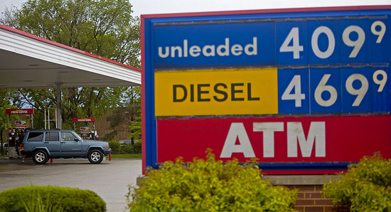 US Gas Hits Record $4 Average in June
