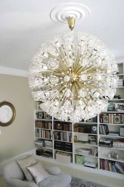 This great '50s chandelier is a bold focal point in an understated room.