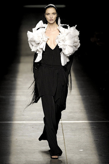 2009 Fall Paris Fashion Week: Givenchy
