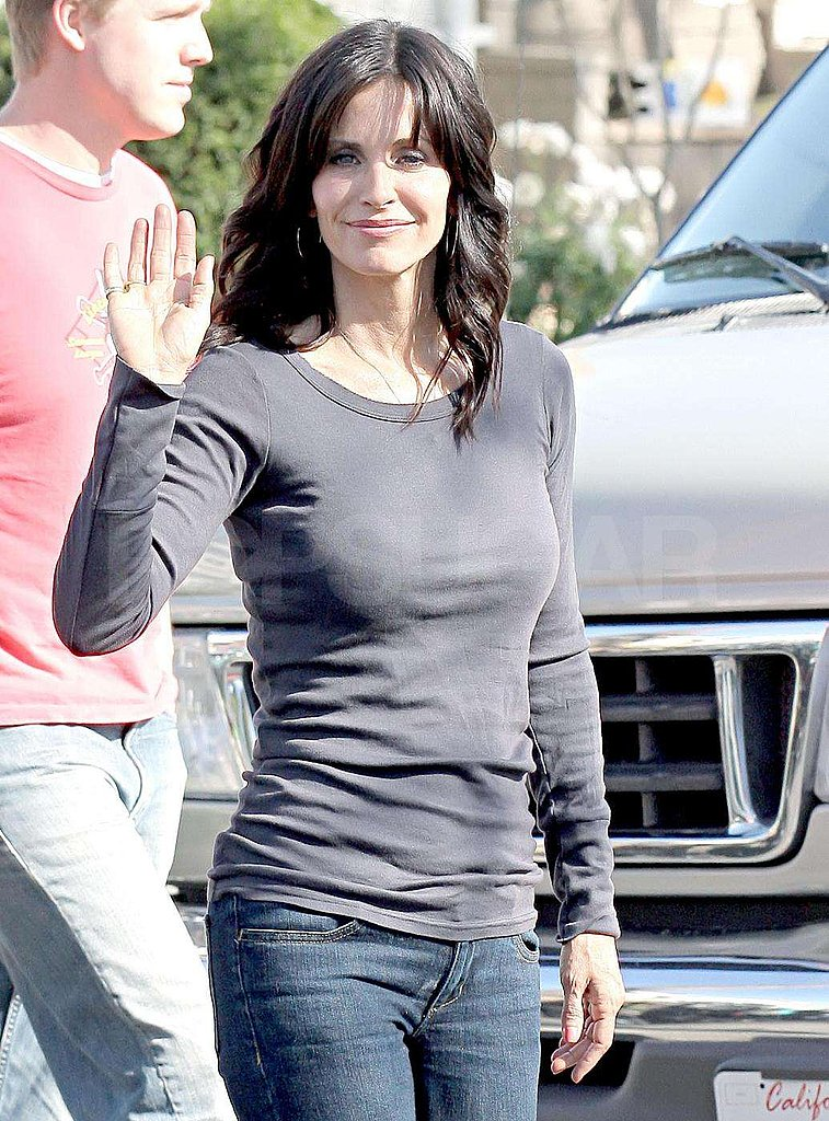 Courtney Cox on Cougartown Set
