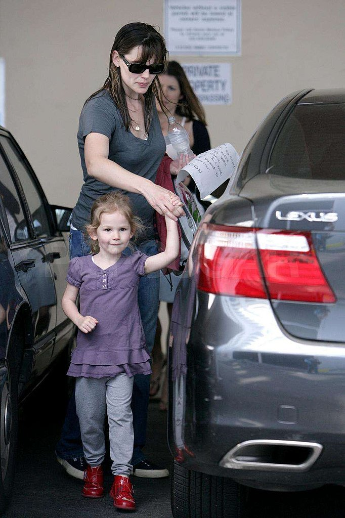 Jennifer Garner and Violet Out for Ice Cream