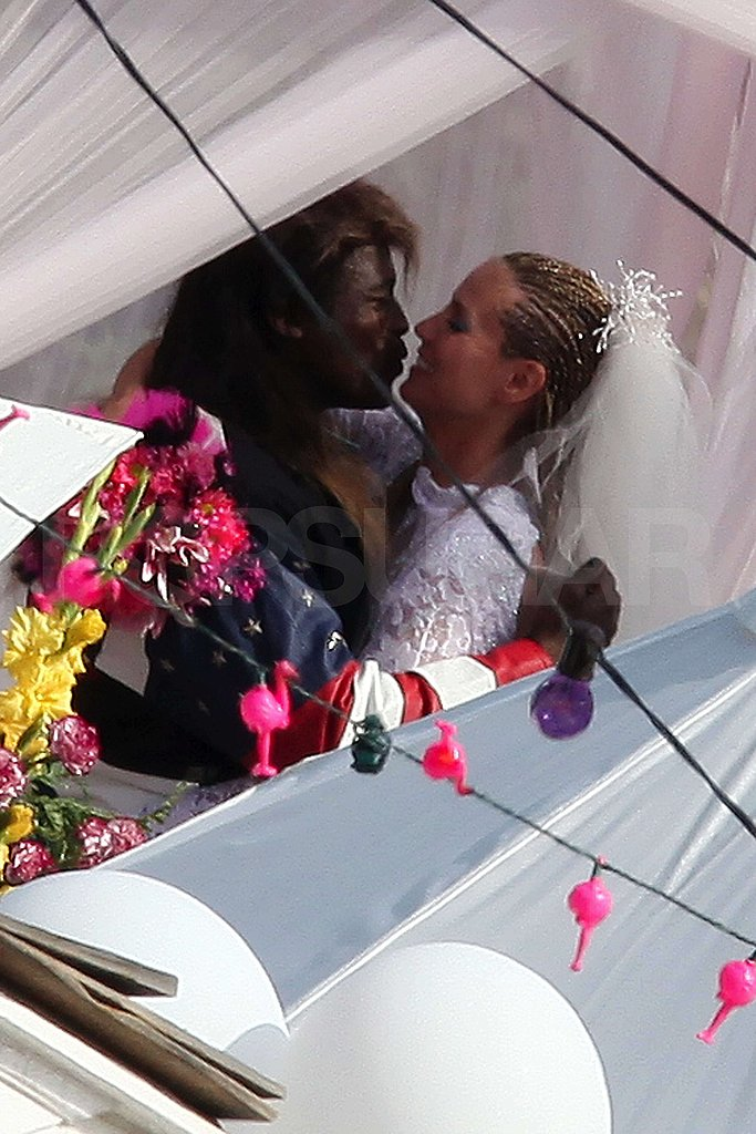 Heidi and Seal Renew Their Vows