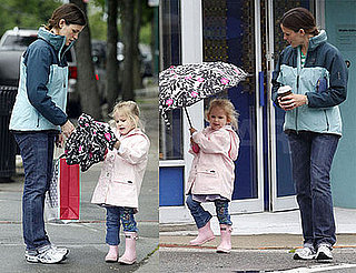 Photos of Jennifer Garner and Violet Affleck In The Rain in Boston