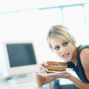 10 Ways to Avoid Gaining Weight at Work
