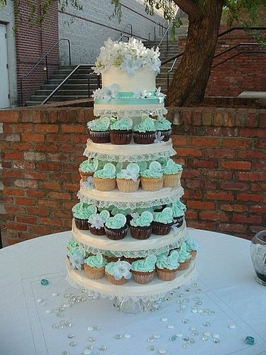 The terribly tragic story of the cupcake tower wedding cake