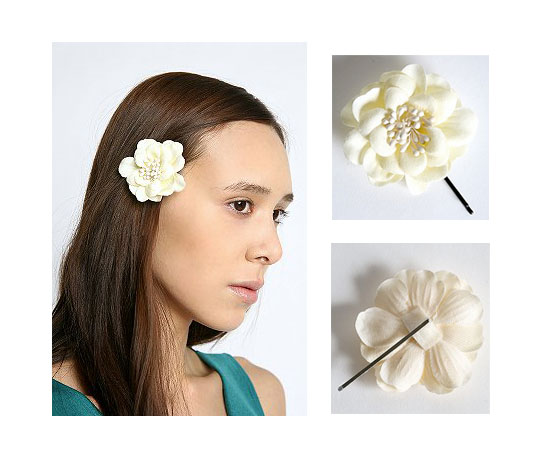A Bloomin' Hair Accessory