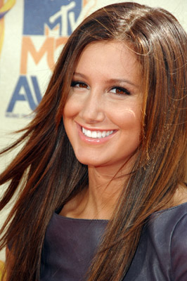Ashley Tisdale at 2009 MTV Movie Awards